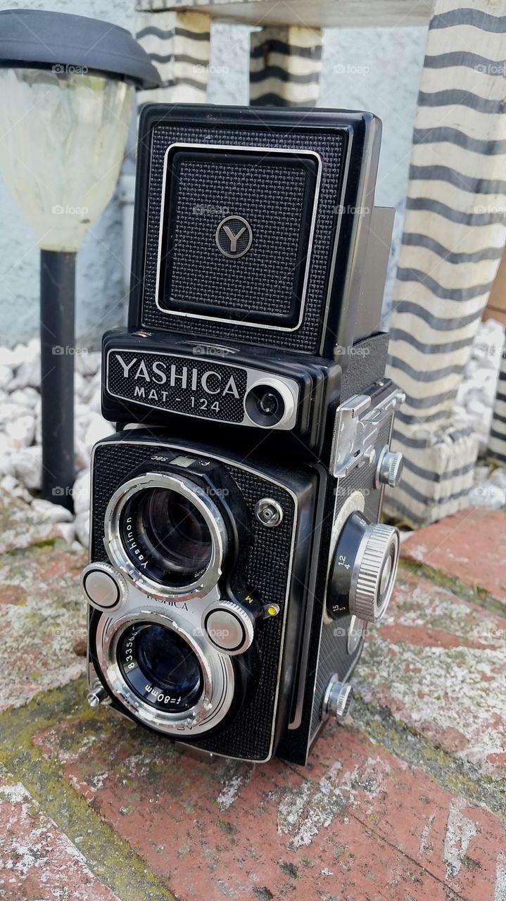 yashica mat 125