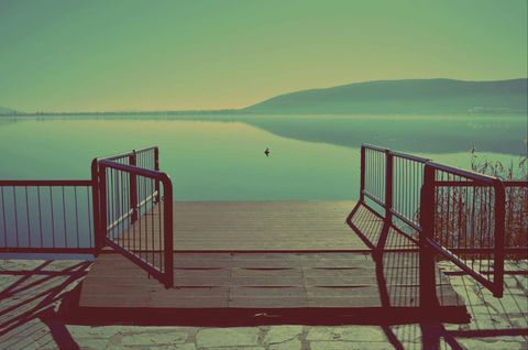 reflect Greece photography kastoria lake