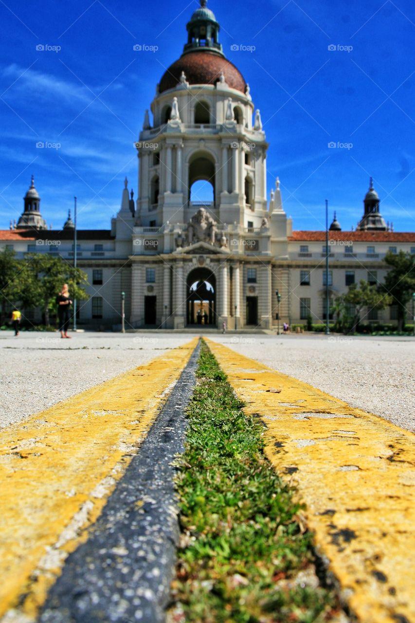 City Hall and the vanishing line