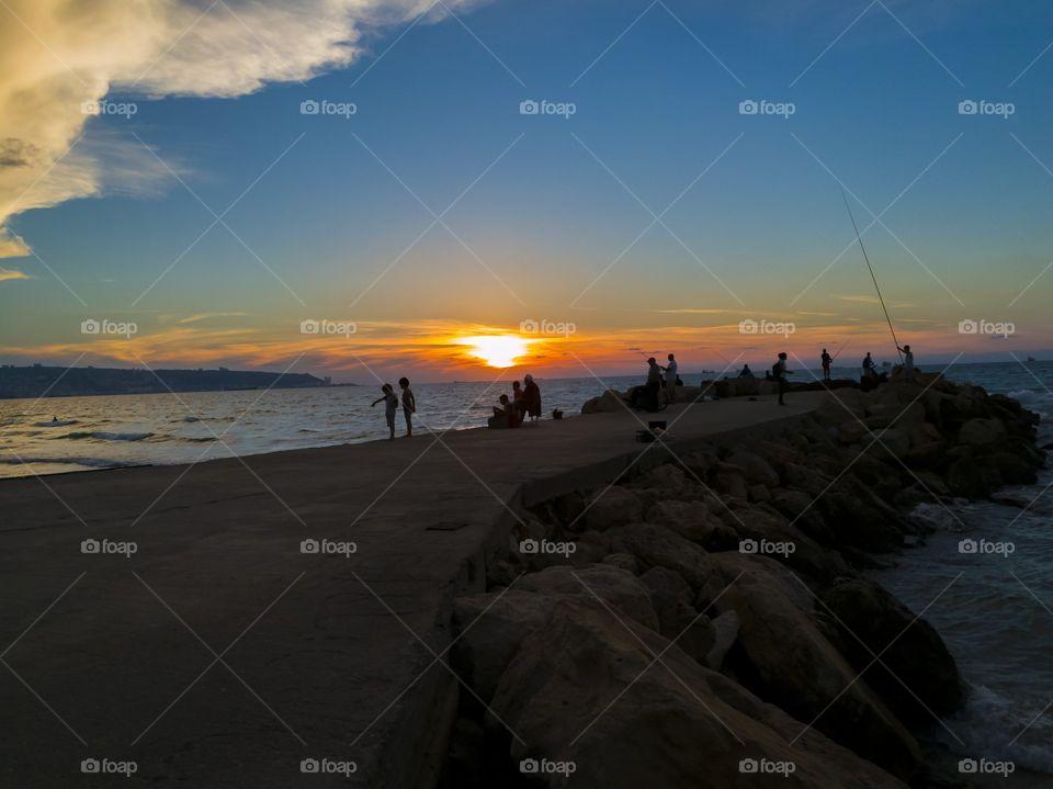 sunset at the wavebreaker