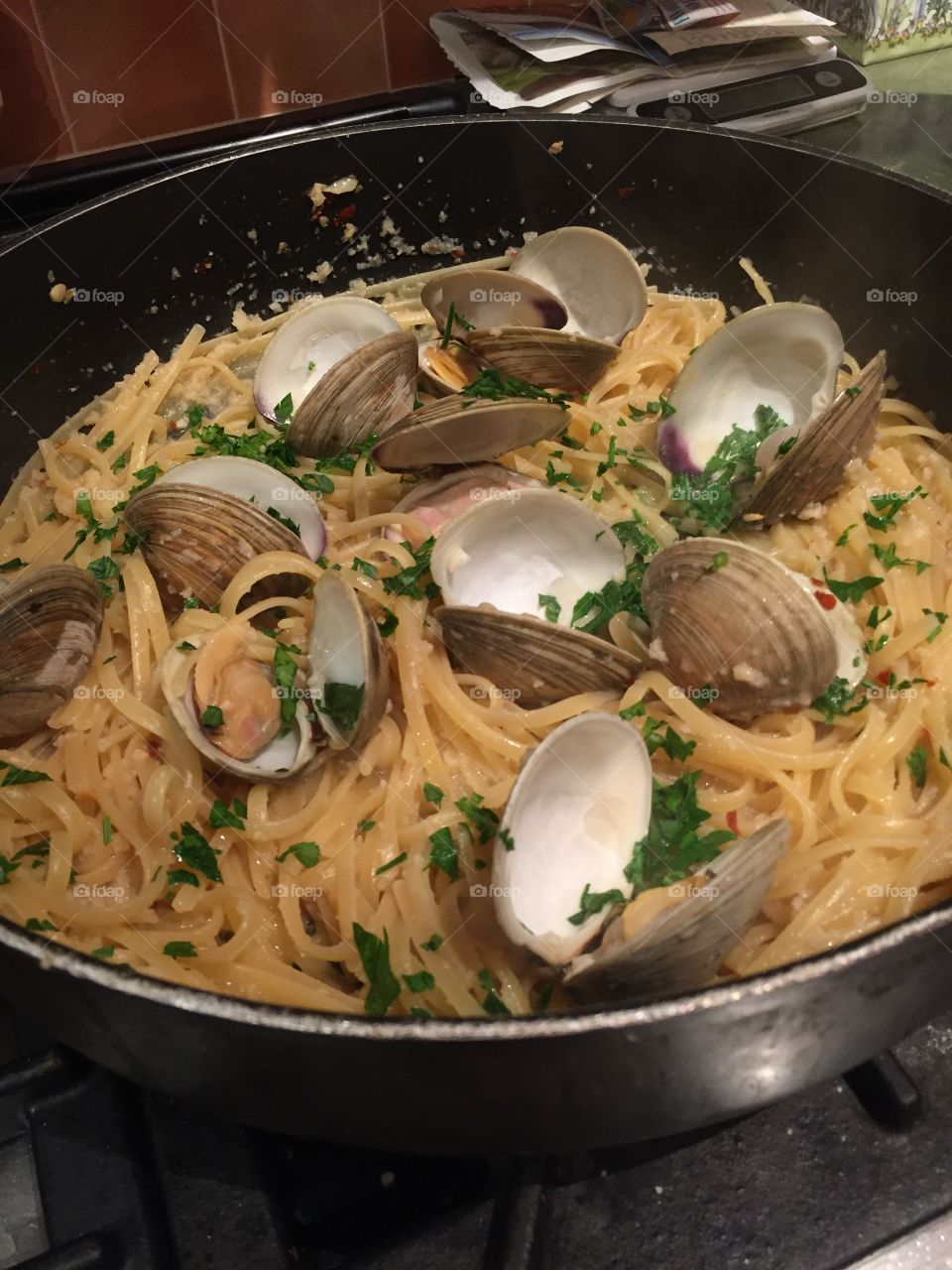 Clams with linguini in a white wine sauce