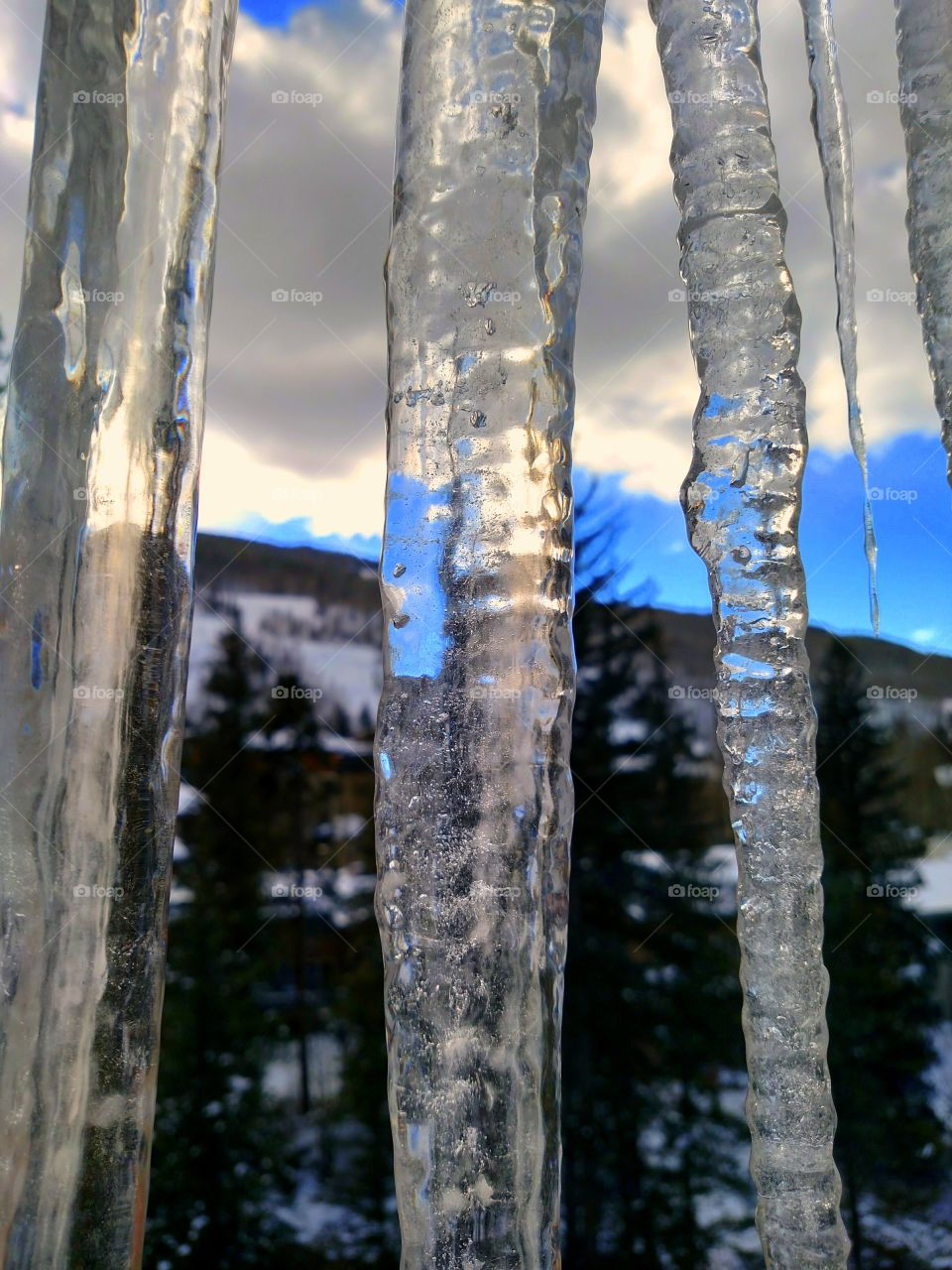 Chilly Icicles