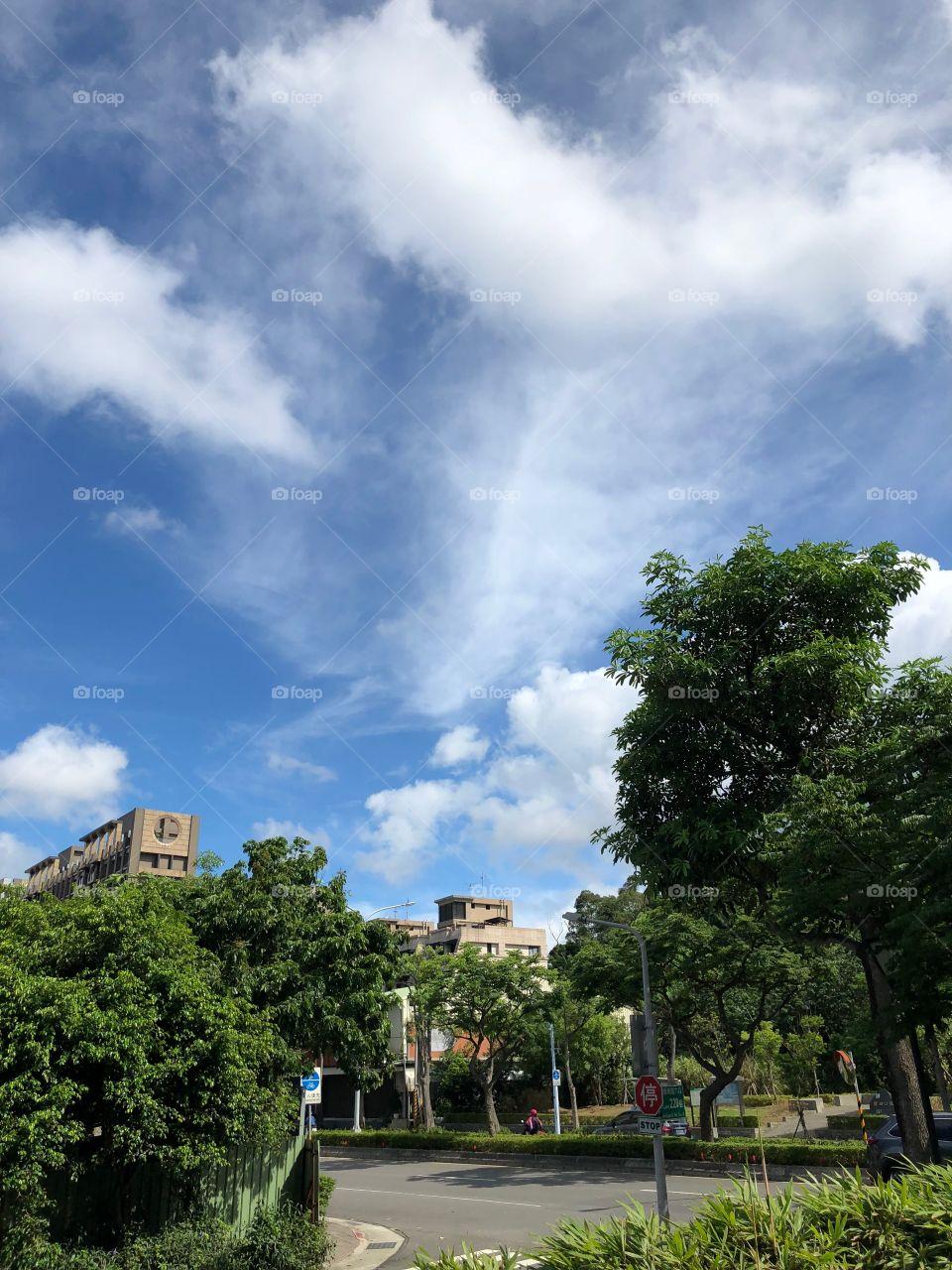 辦公室外的天空