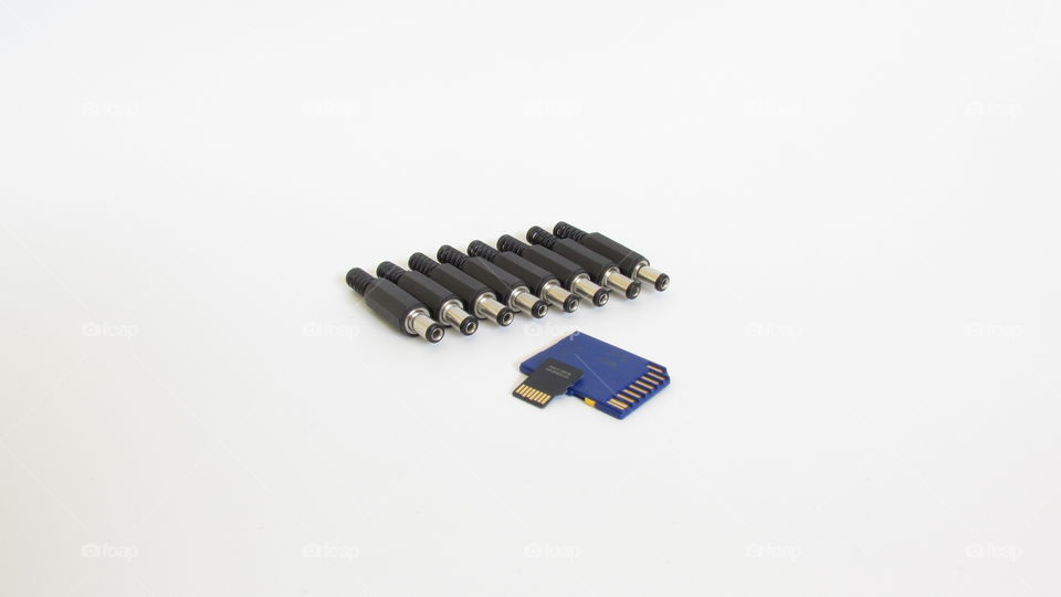 Power Jack Adapter Plug Connector 5.5x2.1 mm & SD Cards