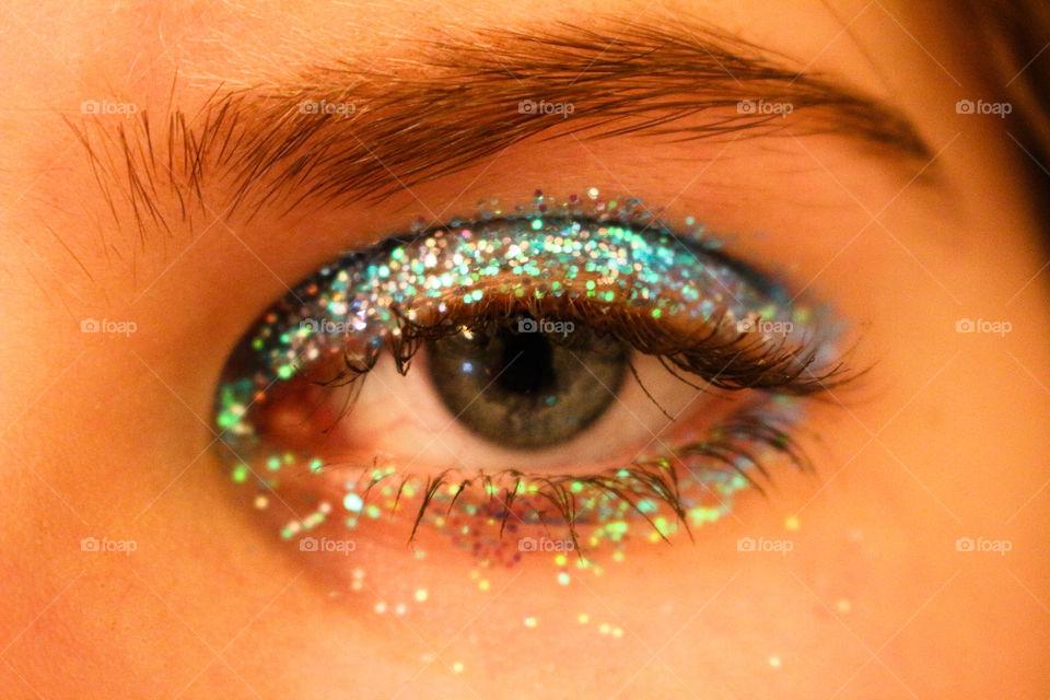 Eye make up with glitter