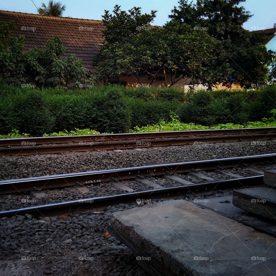 Pondok Cina Railways