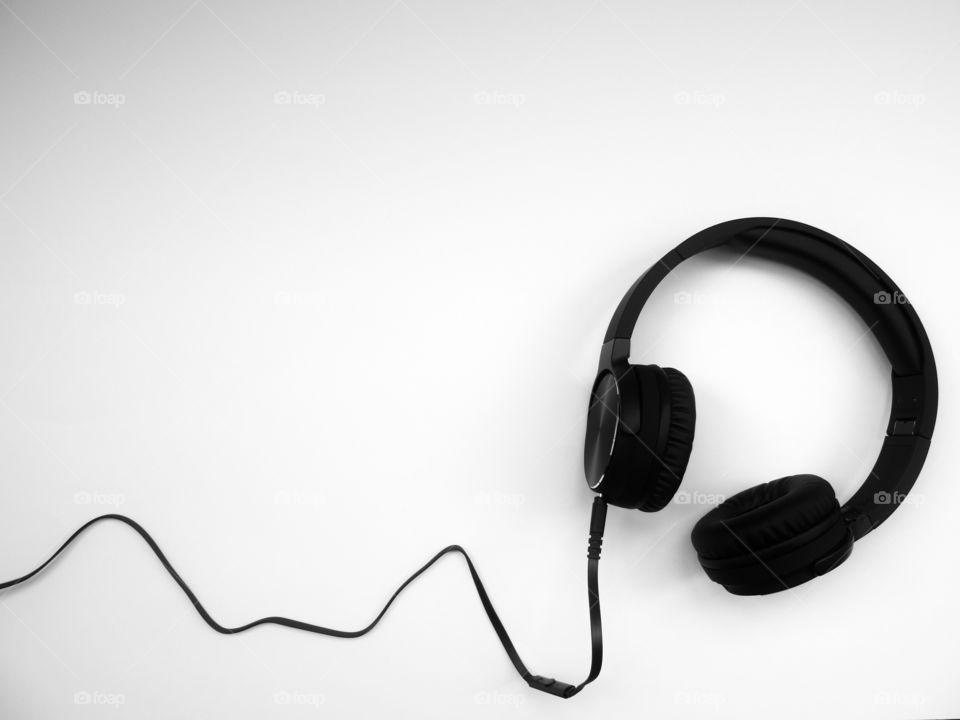 Headphones B&W