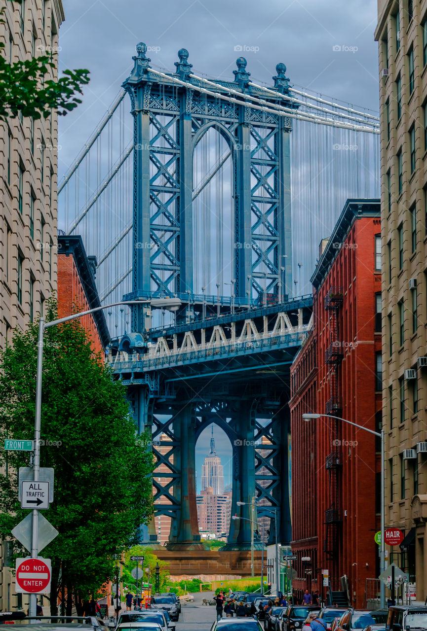 Manhattan  bridge   & Empire. walking in Brooklyn