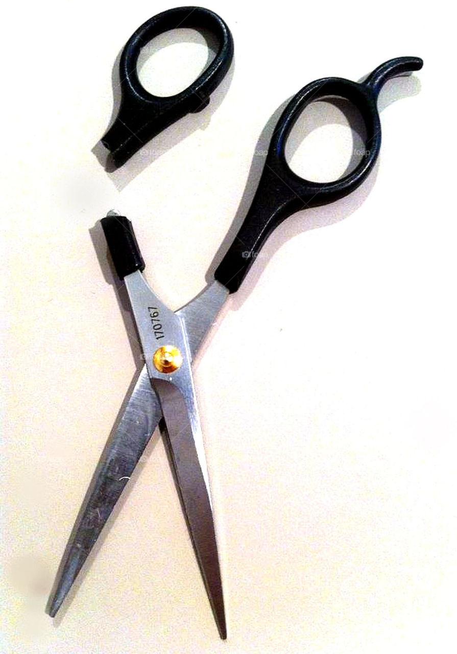 Broken overused scissors!