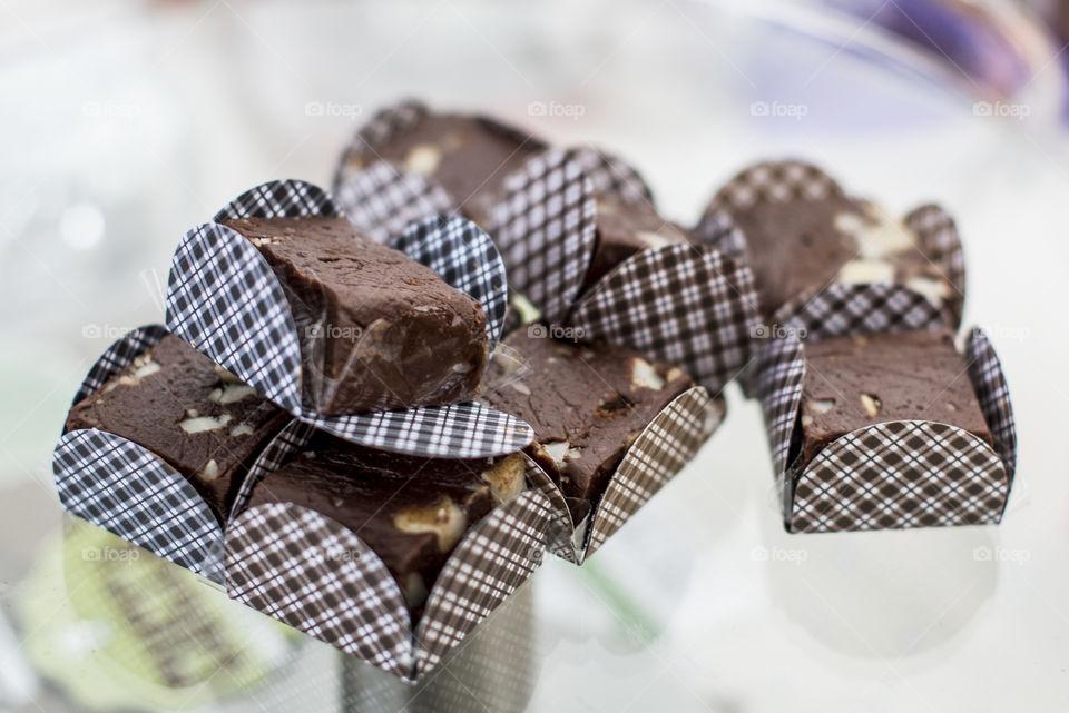 doce de chocolate com amendoim