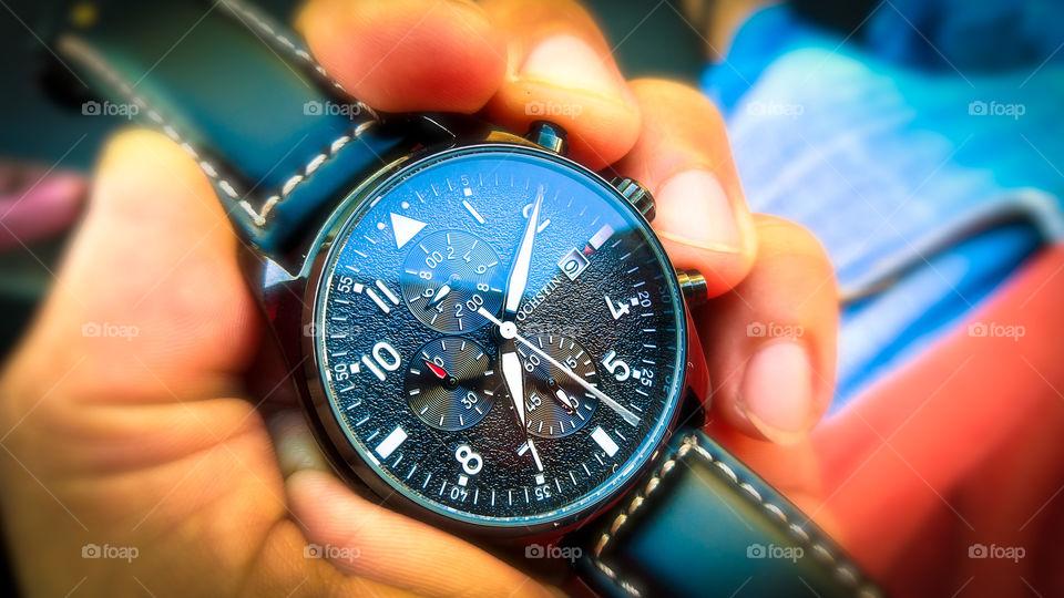 Relógio analógico, mão.