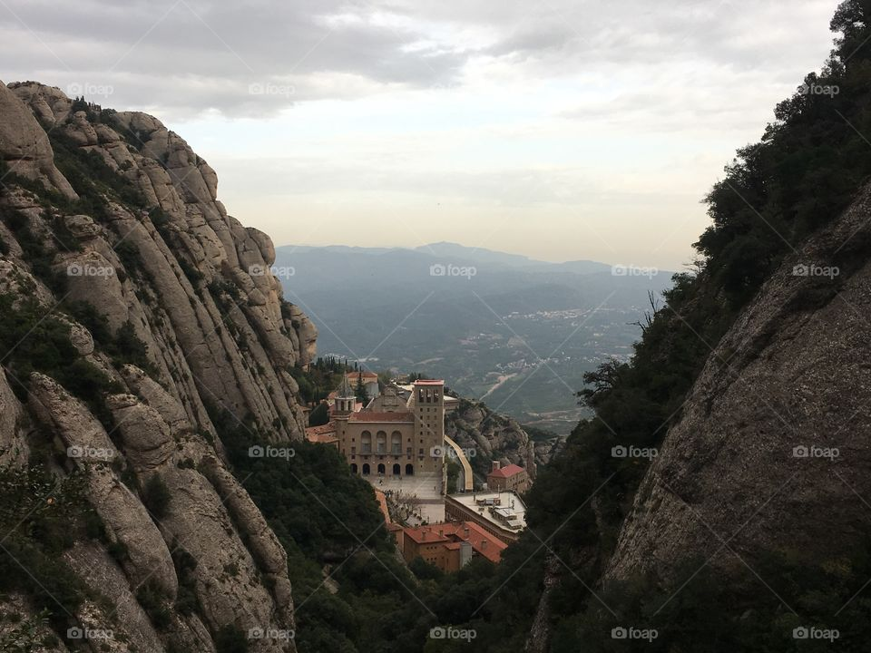 AWESOME place, Montserrat was amazing 🌍👏🏻👍🏻💪🏿#instagram #barcelona #blog #mountain #michaltoloczkopodróżnik #michaltoloczko #ilovebarcelona #montserrat #catalunya #trip #travelling #traveller #photo #view #discover #building #travels #travelphoto #traveltheworld #travelawesome #inspiration #traveldiary #travelblog #discoveryourworld #adventuretime #tubyłem #photooftheday #world @wakacyjnipiraci @barcelona_barcelona @visitbarcelona @catalunyaexperience @loves_catalunya_