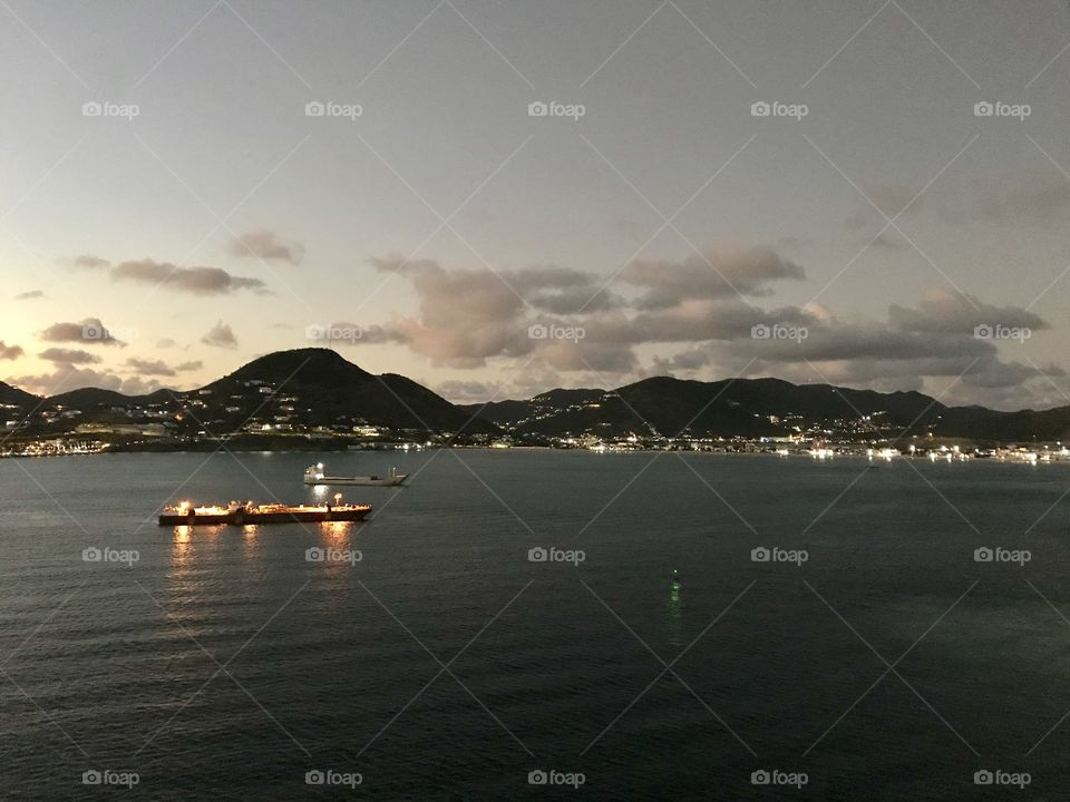 Gorgeous photos from Royal Caribbean cruise ship Oasis of the Seas cruising along!