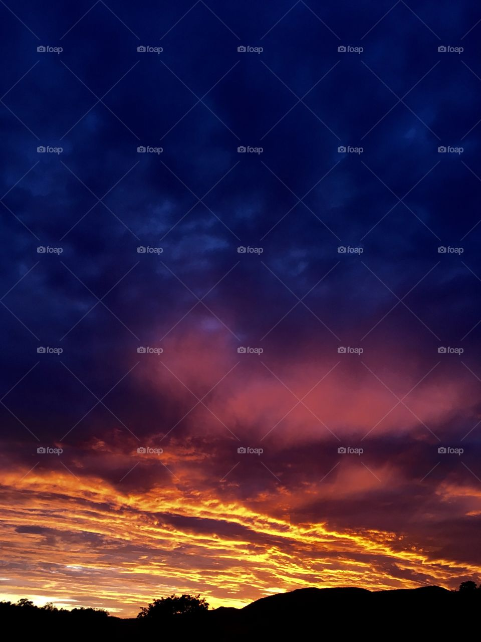 06h - Desperta, #Jundiaí! Ótima 4a feira a todos.  🌅 #sol #sun #sky #céu #nature #manhã #morning #alvorada #natureza #horizonte #fotografia #paisagem #amanhecer #mobgraphia #FotografeiEmJundiaí #brazil_mobile